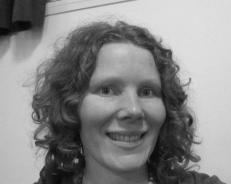 Anne Karin Hofseth head shot (978x734) sort hvit